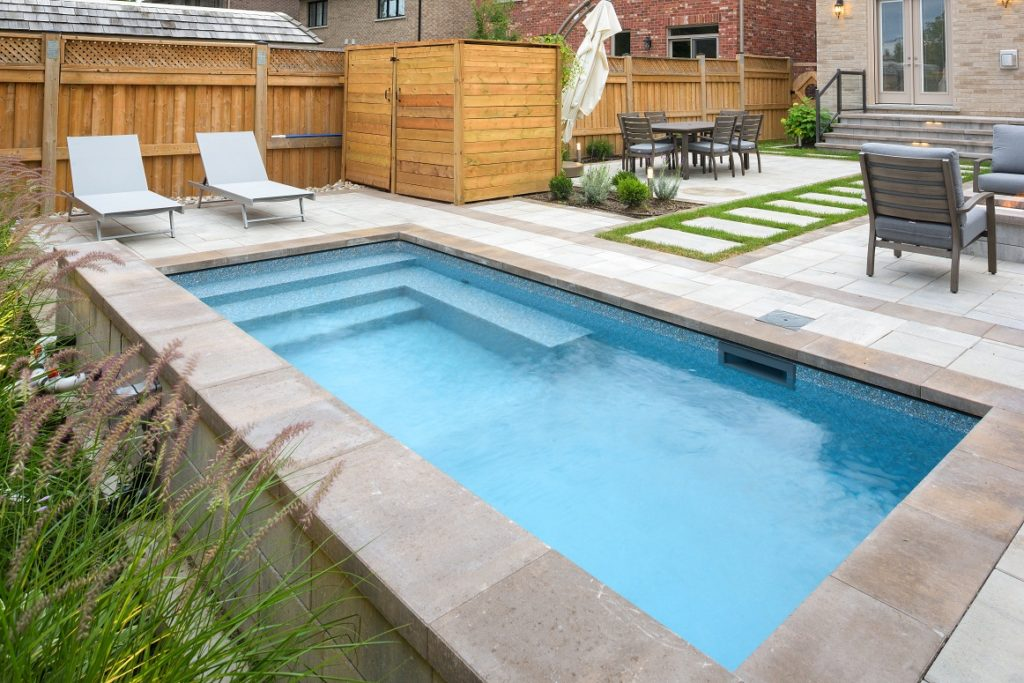 Toronto Swimming Pool Designs and Installation   20+ Yrs Exp.