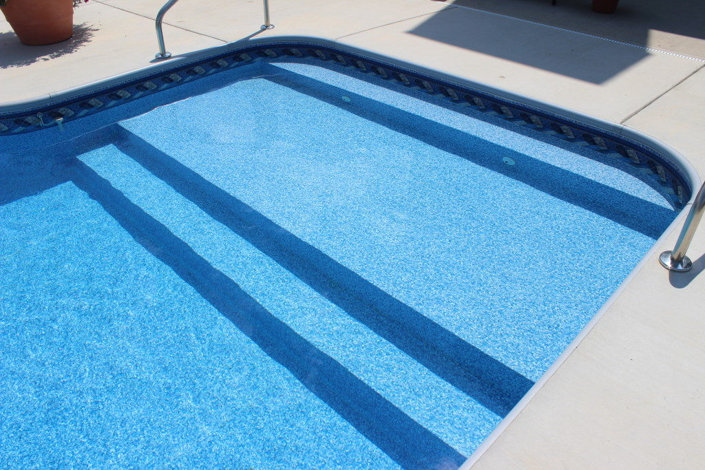 Pool with large entrance steps